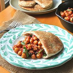 Got a can of chickpeas? Whip up these Moroccan Chickpea Pockets in just 20 minutes! #healthyrecipes #quickrecipes #vegetarian | everydayhealth.com