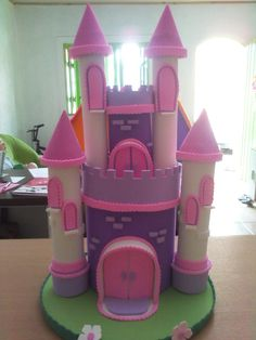 castelo de eva moldes - Pesquisa Google Princess Aurora Party, Cinderella Party, Princess Birthday, Paper Crafts For Kids, Projects For Kids, Diy And Crafts, Girl Birthday Decorations, Funny Hats, Ideas Para Fiestas