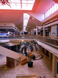Dead Malls, Feeling Trapped, Shopping Malls, Lobbies, Vaporwave, Decoration, How Are You Feeling, Feelings, Places