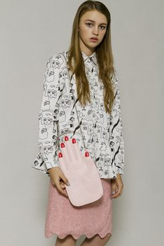 Hand Clutch Pink - THE WHITEPEPPER http://www.thewhitepepper.com/collections/aw15-bags/products/hand-clutch-pink
