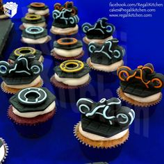 Tron Cupcakes | Light Cycles and Identity Disc Cupcakes | Cakes by The Regali Kitchen