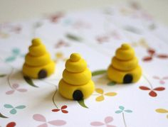 Our EXCLUSIVE Design Beehive Fondant Toppers Perfect for that Special Occasion - Wedding, Birthday, Baptismal by Les Pop Sweets on Gourmly Fondant Bee, Fondant Toppers, Cake Topper Tutorial, Fondant Tutorial, Fondant Figures, Best Homemade Fondant Recipe, Making Fondant, How To Make Marshmallows, Bee Cakes