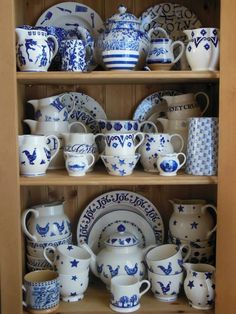 Emma Bridgewater Blue Hen on display Blue And White China, Blue China, Love Blue, Blue And White Dinnerware, Emma Bridgewater Pottery, Dish Display, Delft, English Pottery, Blue Plates