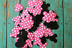100 piece Minnie Mouse Confetti Minnie Mouse by MoosesCreations