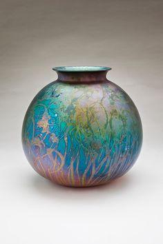 Lustre Glaze Ceramic Vase/Pot by Greg Daly | Australian Ceramics and Glazes ♥≻★≺♥ #GregDaly #AustralianPottery