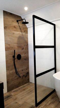 Best Creative Shower Doors Design Ideas for Bathroom Bathroom Doors, Shower Doors, Shower Tiles, Shower Seat, Glass Shower, Bathroom Ideas, Decoration Chic, Graphic Design Brochure, Chintz Fabric