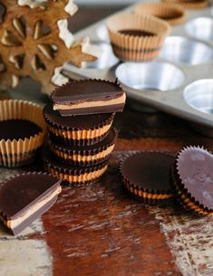Nutty spread Cups - How to Make the Ultimate Candy Swedish Recipes, Fika, Peanut Butter Cups, Chocolate Desserts, Christmas Baking, Fudge, Cookie Recipes, Baked Goods, Sweet Treats