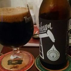 Cerveja Petroleum Castanheira, estilo Russian Imperial Stout, produzida por DUM Cervejaria, Brasil. 12% ABV de álcool.