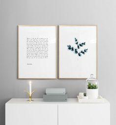 Inspirerande texttavla och blomma