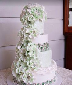 Beautifully Embellished Wedding Cakes - MODwedding