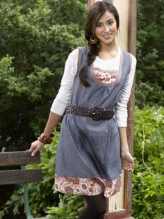 For a super-cute dress that will help you transition into fall, check out this cute online extra from SewStylish Fall 2010.