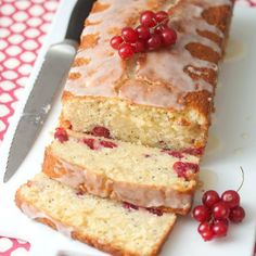Red Currant & Poppy Seed Loaf Cake - put those gorgeous red gems that are in-season to good use!