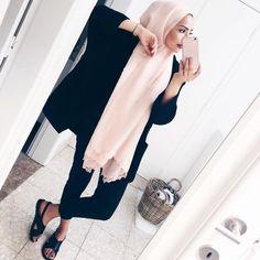 Basic black jumpsuit from Zara. Modern Hijab Fashion, Street Hijab Fashion, Muslim Women Fashion, Islamic Fashion, Modest Fashion, Women's Fashion, Modest Wear, Modest Outfits, Summer Outfits