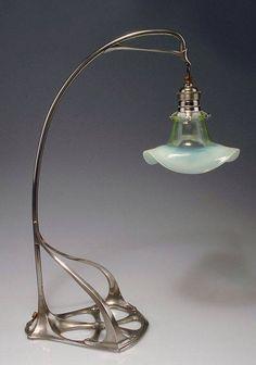 LE JUGENDSTIL EN ALLEMAGNE FRIEDRICH ADLER (1878-1942) Lampe de table, 1902