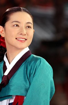 lee young ae at DuckDuckGo Korean Traditional, Traditional Outfits, Dae Jang Geum, Princess Agents, Lee Young, Perfect Smile, Korean Dress, Korean Star, Korean Celebrities