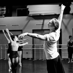 Ballet dancer David Hallberg teaching a Harvard master class
