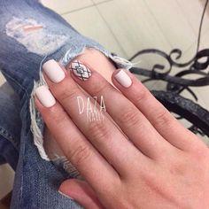 Autumn nails with a pattern, Fall nail ideas, Ideas of beige nails, Matte nails, Nails for autumn dress, Office nails, Plain nails, ring finger nails