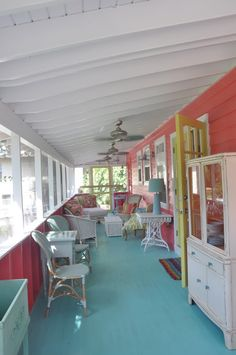 beach cottage style Jane Coslick Cottages : Happy On The .from Sundew Cottage Guest room floor? Beach Cottage Style, Beach Cottage Decor, Lake Cottage, Coastal Cottage, Coastal Living, Cottage Ideas, Decks, Porch Flooring, Building A Porch