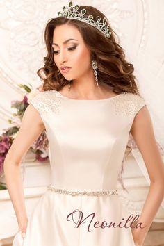 Karelia - wedding dress by Neonilla brand