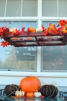 Recycled window pane chandelier, would work indoors or outdoors. Old Window Panes, Window Frames, Window Ideas, Fall Crafts, Holiday Crafts, Holiday Decor, Recycled Windows, Boutique Decor, Fall Arrangements
