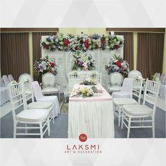 Laksmi art and decoration ( Grass Decor, Akad Nikah, Wedding Decorations, Table Decorations, Pampas Grass, Wedding Preparation, Wedding Planning, Wedding Inspiration, Photo And Video
