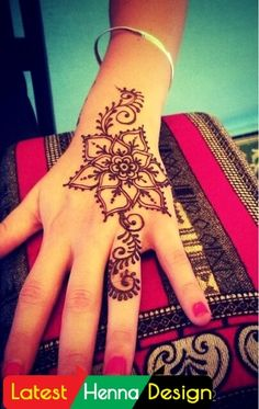 Simple henna designs are famous due their patterns and color that match with almost every outfits. In my opinion, why I liked these designs are its detailed pattern. Which increases his simplicity. http://www.latesthennadesigns.com/2017/07/20-best-backhand-mehndi-designs.html #henna #hennaart #hennadesigns #simplehenna #mehndi #mehndiart #mehndidesigns #simplemehndi