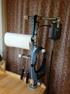 Great DIY flex shaft and Jewelry saw holder. Very clever with the added paper towel holder and location for the always needed opti-visor! Dremel, Cool Tools, Diy Tools, Homemade Tools, Hand Tools, Jewellers Bench, Do It Yourself Jewelry, Jewelry Insurance, Studio Organization
