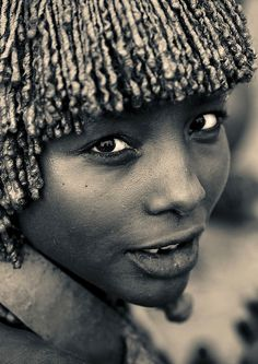 Hamar eyes Ethiopia by Eric Lafforgue, via Flickr