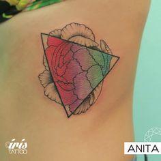 iristattooart#tattoo #tattooed #tattoolife #tatuaje #tattooartist #tattoostudio #tattoodesign #tattooart #customtattoo #ink #wynwoodmiami #wynwoodlife #wynwoodart #wynwoodwalls #wynwood #wynwoodtattoo #miamiink #miamitattoo #tattoomiami #colortattoo #watercolortattoo #flowertattoo