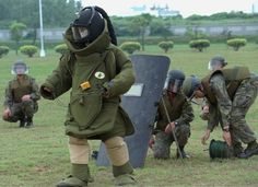 make bomb disposal suit costume - Google Search