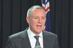 South Australian Premier Jay Weatherill has visited Government House to dissolve parliament and officially launch the state's four-week election campaign.