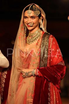 Ethereal Deepika walks the ramp for Anju Modi! | PINKVILLA