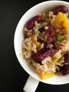 Pin for Later: 14 Microwaveable Mug Recipes That Make Life Easier Indian Red Beans Over Rice Get the recipe: Indian red beans over rice Ways To Eat Healthy, Healthy Eating Habits, Meals Under 400 Calories, 100 Calories, Easy Vegan Dinner, Vegetarian Recipes, Healthy Recipes, Farro Recipes, Healthy Dishes