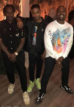 Kanye West who recently turned 41 was treated to a lavish birthday party by his wife Kim Kardashian , 37 on Saturday night. The star-studded bash was hosted Yeezy Fashion, Pop Fashion, Winter Fashion, Fashion 2020, Womens Fashion, Black Men Street Fashion, Street Style Women, Mode Hip Hop, Kanye West Style