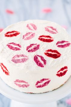 DIY Pucker Up Cake