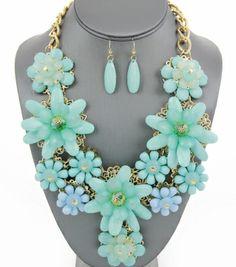 Crystal Acrylic Flower Necklace Set