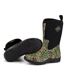 This The Original Muck Boot Company Green & Black Floral Arctic Weekend Boot by The Original Muck Boot Company is perfect! #zulilyfinds