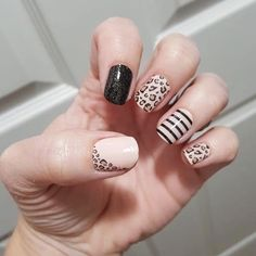 Only in Vegas (black sparkle), Trend Spotted (leopard) and Between the Lines (black lines) are to die for! Plus with free bundle, you pick another for free! Pink Leopard Nails, Pink Nails, Nail Color Combos, Nail Colors, Love Nails, How To Do Nails, Neutral Nails, Color Street Nails, Trendy Nails