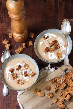 Cream of chestnut cream, parsnips and gingerbread croutons No Salt Recipes, Meat Recipes, Indian Food Recipes, Cookie Recipes, Snack Recipes, Vegetable Soup Healthy, Vegetable Recipes, Tumblr Food, Party Food And Drinks