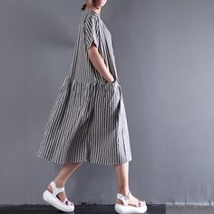 2017 new summer linen dress elastic waist sundresses casual oversize maxi dressThis unique deisgn deserves the best quality texture. The fabric of this article is soft, comfortable and breathy.Flattering cut. Makes you look slimmer and matches easlily with jeans, leggings stylish pants or skirts.Measurement: Size 3XL/BUST-116cm      length 104cm / 40.56