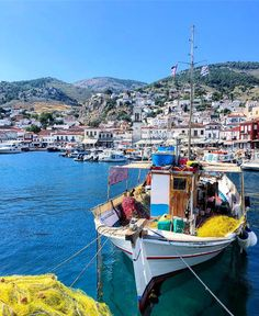 #ae_greece #athensvoice #EXCLUSIVE_GREECE #global_stars #greecestagram #Great_Captures_Greece #Loves_Greece #TEAM_GREECE #urban_greece…