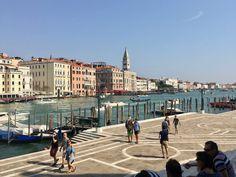 Kulturtipps Venedig: Platz vor der Punta della Dogana                                                                                                                                                                                 Mehr