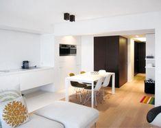 Frank Sinnaeve - Appartement aan zee Corner Desk, Conference Room, Table, Furniture, Home Decor, Minimalism, Homemade Home Decor, Corner Table, Meeting Rooms