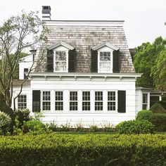 sweet little white cottage on Long Island ⭐️