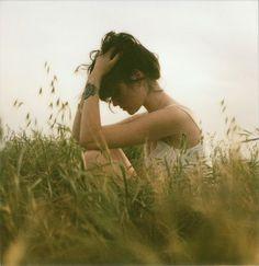 Quando o amor se acaba feche aquela porta, deixe naqueles cômodos o roteiro da sua vida que não deu certo e reescreva novamente sozinha...