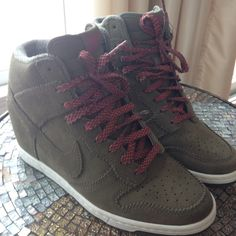 Nike Dunk Sky Hi Sneakers Absolutely amazing Nike Dunk Sky Hi Sneakers. Olive green with pink laces. In perfect condition, never worn as they are a half size too small. Sad to see these go! Price is negotiable! Nike Shoes