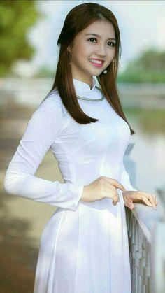 Image gallery – Page 436497388882512659 – Artofit Vietnamese Traditional Dress, Vietnamese Dress, Traditional Dresses, Oriental Fashion, Asian Fashion, Belleza Natural, Beautiful Asian Women, Ao Dai, White Girls