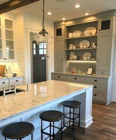 Beautiful Farmhouse Kitchen Cabinet Makeover Ideas (15)