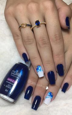Melhores Fotos do Instagram com Esmalte Azul Escuro