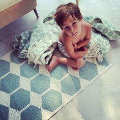 Brita Sweden, tapis et plaids en vente chez Little Cocoon